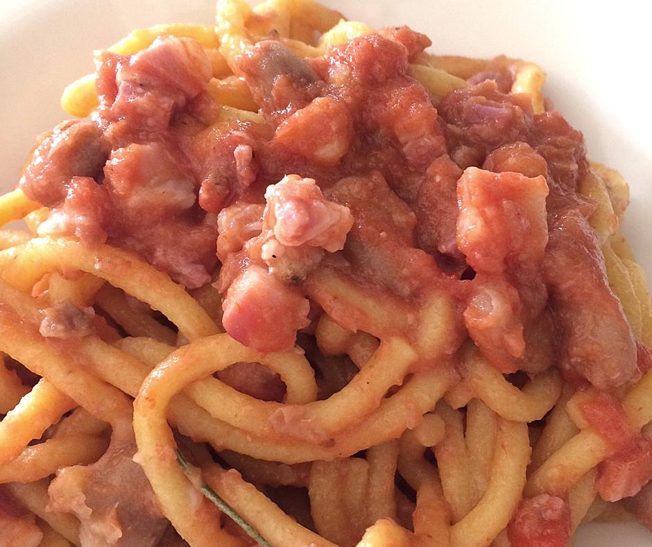 foto ingredienti Bigoli con pancetta e fagioli